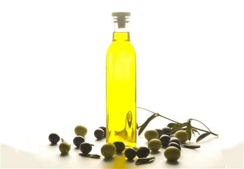 Maslinovo ulje: Evo zašto ga svi trebamo imati!