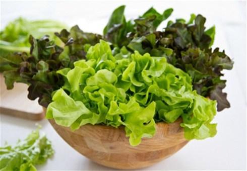 Zelena salata skida kile i čuva srce