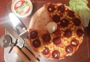 Delimano Pizza sa sudžukom i kajmakom